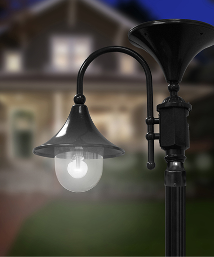 Solar Power Lamp Post in Black or Green