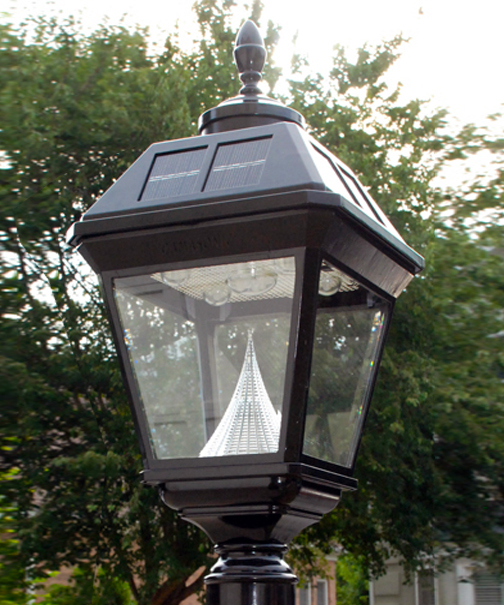 Imperial Solar Lamp With Acorn Or Eagle Finial