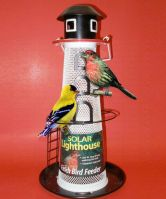 New England Lighthouse Mesh Feeder with Solar Light