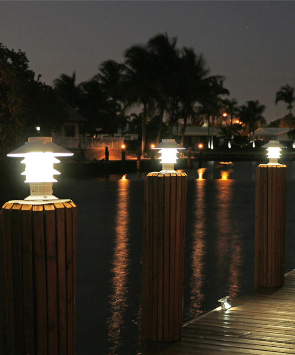 Solar Pagoda Piling Light